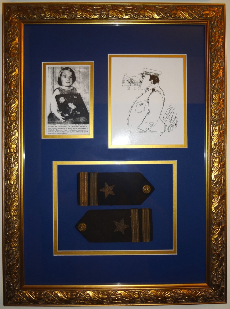 Caruso´s epaulettes from his custome as Pinkerton at Met Opera